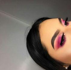 Matte electric pink eyeshadow look Makeup On Fleek, Flawless Makeup, Cute Makeup, Glam Makeup, Gorgeous Makeup, Pretty Makeup, Skin Makeup, Makeup Tips, Beauty Makeup