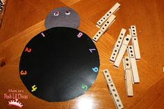 Counting lessons with Spiders and Bats crafts