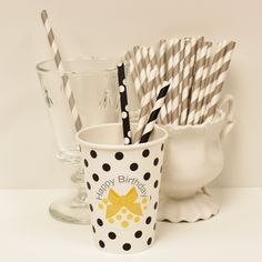 Grey Striped Cocktail Paper Straws, love our new shorter size for cocktail glasses and paper party cups. Perfect for your next dinner party....♥