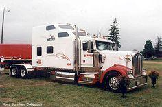 Google Image Result for http://www.hankstruckpictures.com/pix/trucks/ross_burnham/hill_tspt_custum_w900.jpg