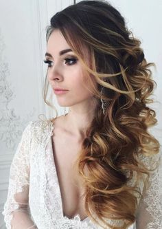 long wavy wedding hairstyle idea via Elstile