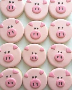 Pig decorated sugar cookies cute food idea for a pig, farm, animal, or farmer themed party idea Cookies Cupcake, Pig Cookies, Super Cookies, Galletas Cookies, Fancy Cookies, Cookie Icing, Iced Cookies, Pig Cupcakes, Party Cupcakes