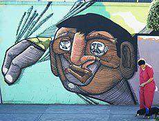 """A matéria traça um roteiro dos grafites que dão cor a São Paulo. Entre os que mais se destacam estão os do Cambuci. Bairro forte na cena do grafite paulistano pela identificação instantânea com osgemeos, já que foi o berço da dupla. O que pouca gente sabe é que o Cambuci sempre acolheu pintores, como...<br /><a class=""""more-link"""" href=""""https://catracalivre.com.br/geral/urbanidade/indicacao/conheca-os-melhores-grafites-de-sp/"""">Continue lendo »</a>"""