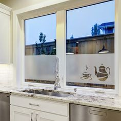 statische raamfolie • Coffee Time | horizontale raamfolies | Uniquewinkel Window Glass Design, Frosted Glass, Decoration, Creative Inspiration, Wall Decals, Windows, Mirror, Furniture, Home Decor
