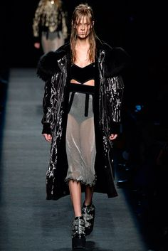 Alexander Wang - Fall 2015 Ready-to-Wear - Royalesque Fur Metallic Sports Coat - Chain Mail Skirt -Look 42 of 44