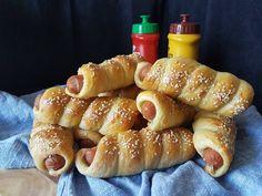 Hot Dog Buns, Hot Dogs, Pretzel Bites, Sausage, Food Porn, Food And Drink, Bread, Baking, Dessert