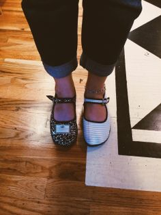 Kelpais! --- Notebook shoes! From literatibookstore.tumblr.com