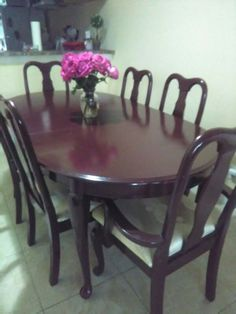 Used (normal wear) - Room and dining room god condition.