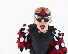 Kids costumes for Halloween and Carnival. Animal costumes for kids. Animal Costumes For Kids, Carnival Of The Animals, Halloween Karneval, Bird Costume, Bird Wings, Mask For Kids, Halloween Costumes, Halloween Face Makeup, Carnival