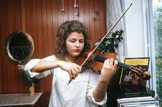 Anne-sophie Mutter - Google 検索 Violin, Music, Google, Musica, Musik, Muziek, Music Activities, Songs