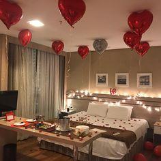 Romantic Room Surprise, Romantic Date Night Ideas, Romantic Birthday, Birthday Room Decorations, Anniversary Decorations, Valentines Day Decorations, Romantic Room Decoration, Romantic Bedroom Decor, Valentines Surprise