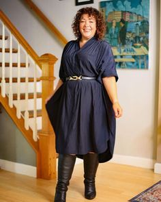 How to dress when you are petite - Alison wears a navy dress and matching belt   40plusstyle.com