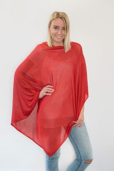 Whether it's date night, the school run or a weekend barbecue with friends, this slinky bamboo poncho will take you from one event to the next with ease. Simple yet stylish in design, the Charli Bird bamboo poncho will glam up a maxi dress or add jeans, a scarf and wedges to bring out your inner boho. Handmade in Nepal from soft fine knit bamboo. Measuring 80cms x 80cms, the poncho will easily roll up and can be popped into your handbag making it ideal for travelling or when you're ...