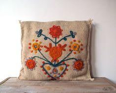 Vintage Folk Art Embroidered Crewel Work Pillow.