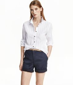 White/striped. Straight-cut, long-sleeved shirt in airy, patterned cotton fabric with a gently rounded hem.