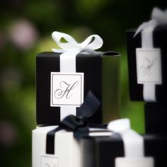 sophisticated black and white wedding favor boxes Black And White Wedding Theme, Black White Parties, Black Tie Wedding, Wedding Favor Boxes, Wedding Gifts, Our Wedding, Wedding Favours Elegant, White Wedding Decorations, Wedding Themes