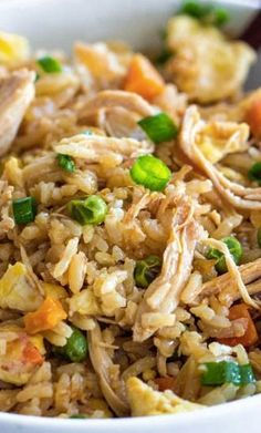 Better than Takeout Chicken Fried Rice Chicken Fried Rice Recipe ~ Amazing chicken fried rice that is better than take out! Rice Recipes, Asian Recipes, Asian Foods, Healthy Recipes, Thai Recipes, Fall Recipes, Delicious Recipes, Slow Cooker Recipes, Crockpot Recipes
