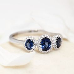 Gorgeous 3 stone- blue saphire and diamonds engagement ring