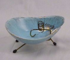 Vtg Mid Century Atomic Amoeba Shaped Pottery Ashtray w/ Tripod Legs Aqua Gold