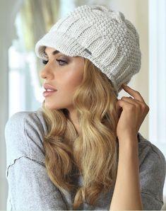 2019 Örgü Bayan Bere Modelleri Cute Winter Hats, Cute Hats, Baby Hats Knitting, Knitted Hats, Crochet Hats, Girl Beanie, Beanie Hats, Italian Hat, Knit Art