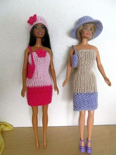 At the moment I don& have so many ideas for what to knit, crochet etc . Barbie Knitting Patterns, Barbie Clothes Patterns, Clothing Patterns, Dolly Doll, Barbie Dolls, Diy Ken Doll Clothes, Holiday Outfits Women, Carina, Fashion Dolls