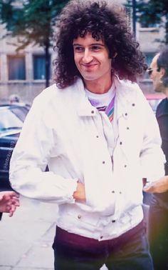 John Deacon, Adam Lambert, Queen Brian May, Elite Model, Queen Photos, Queen Pictures, Roger Taylor, Best Guitarist, We Will Rock You