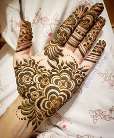 Stained - henna artist in Tampa Florida for bridal mehndi , henna tattoo , and henna design ebooks for the henna community. New Henna Designs, Henna Tattoo Designs Simple, Floral Henna Designs, Modern Mehndi Designs, Mehndi Design Photos, Wedding Mehndi Designs, Mehndi Designs For Fingers, Beautiful Mehndi Design, Latest Mehndi Designs