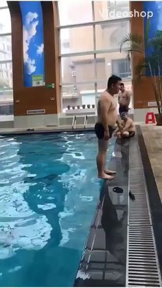 Captain we have a torpedo closing in fast, Captain: Dive dive dive Best Funny Videos, Funny Video Memes, Funny Short Videos, Best Funny Pictures, Wtf Funny, Stupid Funny, Funny Jokes, Hilarious, Funny Stuff