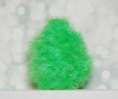 Pisanka pierzasta #pisanka #jajko #pisanki #jajka #wielkanoc #święta #easter #easter egg #egg #rękodzieło #handemade #craft #dekoracje #ozdoby #decoration #pióra Tobacco Smoking, Easter Eggs, Green, Gifts, Handmade, Etsy, Presents, Hand Made, Favors