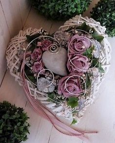 Funeral Flower Arrangements, Funeral Flowers, Floral Arrangements, Christmas Paper Crafts, Christmas Wreaths, Christmas Ornaments, Heart Decorations, Valentine Decorations, Christmas Crafts