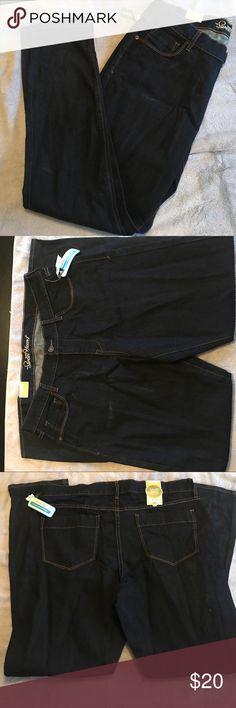 "NWT dark denim skinny jeans NWT dark skinny jeans. Old Navy ""The Sweetheart"" Old Navy Jeans Skinny"