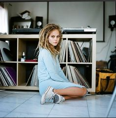 She has that dreadlocks and Chucks chill going. That's me on a Sunday :lol: