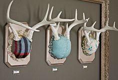 Craft Tutorials Galore at Crafter-holic!: Mounted Antlers Wall Art