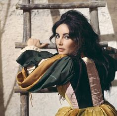 Vintage Glamour Girls: Elizabeth Taylor in The Taming Of the Shrew.
