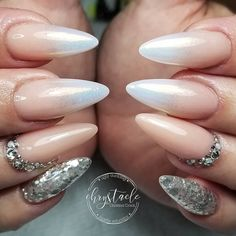 Baby boomer pigment fade.... Ugly Duckling premium acrylics finished with Ugly Duckling No Wipe top coat Find me on Facebook- Chrystacle…