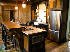Rustic cottage kitchen. I could see myself staying here for a week! #CdnGetaway