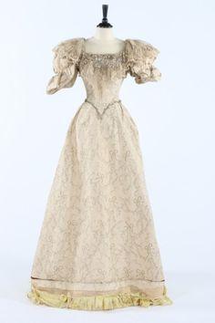 Evening dress ca. 1895
