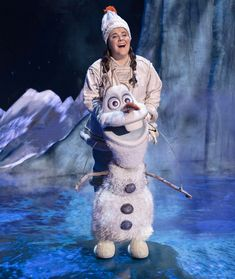 Ryann Redmond is the latest actor to take on the role of Olaf in Disney's Frozen on Broadway. Frozen On Broadway, Frozen Musical, Broadway Theatre, Musical Theatre, Theatre Geek, Anna Frozen, Disney Frozen, Frozen Kids, Olaf Costume