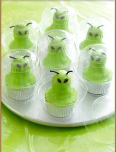 Green Alien Cupcakes for a Halloween or Outer Space party