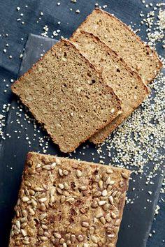 Surdej - sådan starter du en surdej og holder liv i den - Bagvrk. Cooking Cookies, Danish Food, Healthy Cookies, Crackers, Baking Recipes, Banana Bread, Deserts, Homemade, Sweet