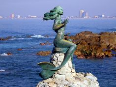 Mermaid statue in Maine