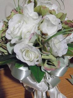 Bride white roses and green hydrangea