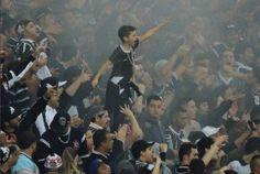 Torcida do Corinthians vem dando show em 2016