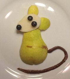 Pear-mouse Fun food for kids #Fruit #Healthy food #Art #snack #Dessert #+++ Pera…