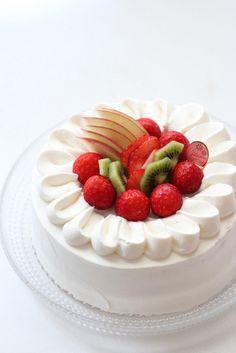 사과 딸기 키위 생크림 케이크