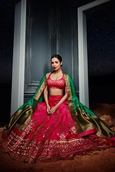 What is an appropriate saree or outfit as a guest at an Indian wedding? - Quora