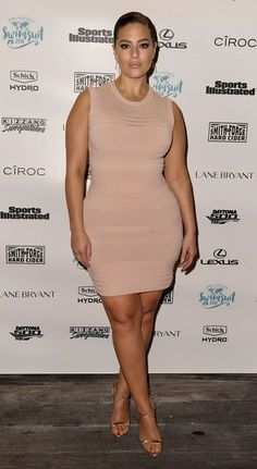 Dressed: Stars' Red Carpet Looks from Last Night Ashley Graham in a body-con nude mini dressAshley Graham in a body-con nude mini dress Modelo Ashley Graham, Ashley Graham Style, Xl Mode, Mode Plus, Nude Mini Dresses, Nice Dresses, Dresses Uk, Evening Dresses, Looks Plus Size