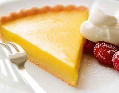 Lemon Pie is a delicious Bolivian Food. Learn to cook Bolivian Food Recipes and enjoy Traditional Bolivian Food. Tart Recipes, Baking Recipes, Dessert Recipes, Gluten Free Cooking, Gluten Free Desserts, Bolivian Food, Lemon Pie Recipe, Crust Recipe, Fodmap Recipes