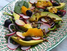 Skinny salade met sinaas-tahin dressing met granaatappelpitjes ipv radijs | Chickslovefood.com