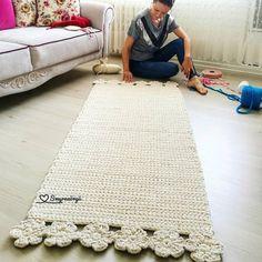 "934 curtidas, 27 comentários - Mari Barbosa (@pragentemiuda) no Instagram: ""Oieeee! Olha a @smyrna_orgu arrebentando no retangular neutro com flores!!! Haaaaa... as gringas!!!…"""